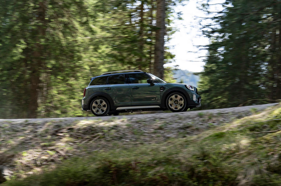 Mini Countryman 2020 facelift - official press images - hero side