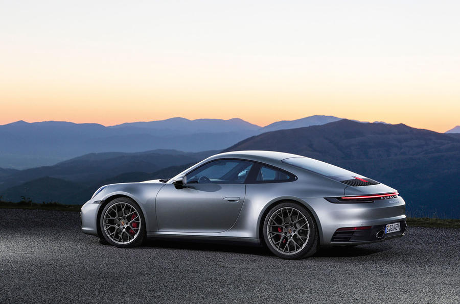 2019 Porsche 911 official reveal - press still side