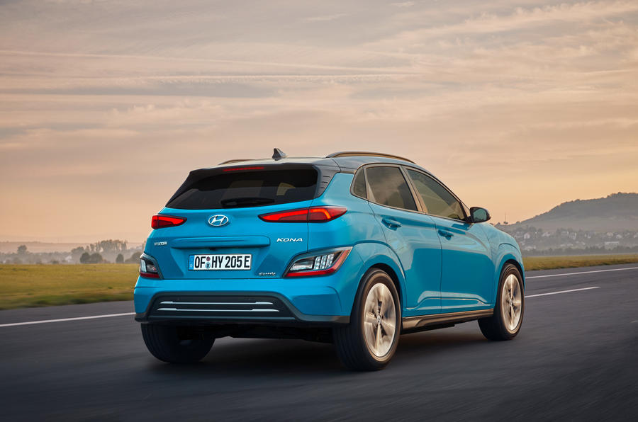 Hyundai Kona Electric MY2020 official - tracking rear