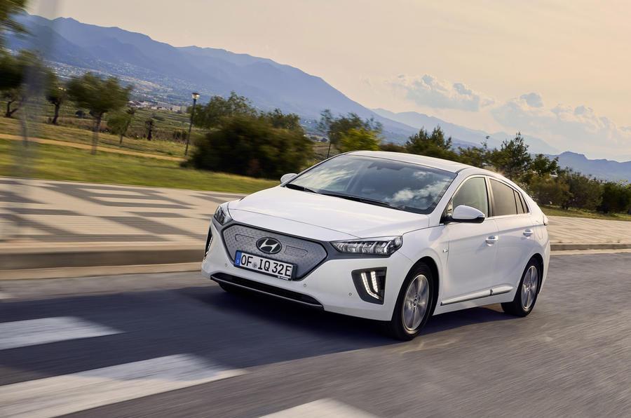 Hyundai Ioniq 2019 facelift official press - hero front