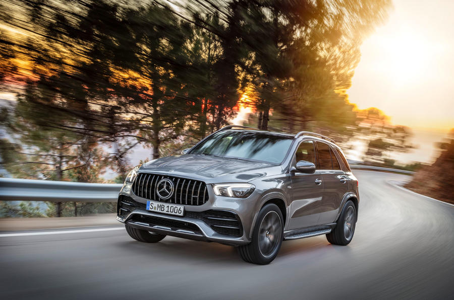 2018 - [Mercedes] GLE II ( ML IV ) - Page 9 99-mercedes-gle53-official-press-hero-front