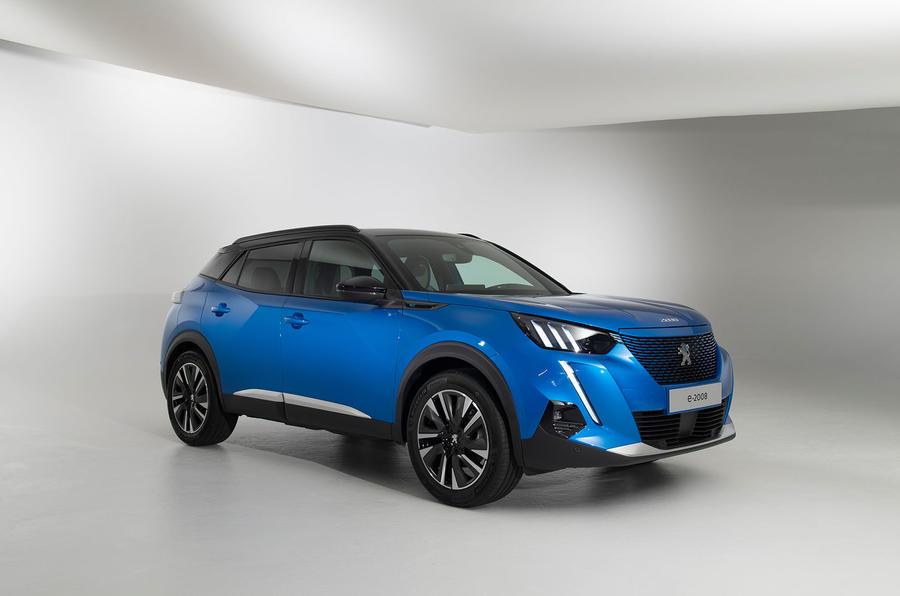 Peugeot e-2008 reveal studio - hero front