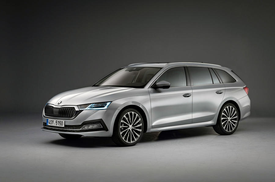 2020 Skoda Octavia estate official studio - front