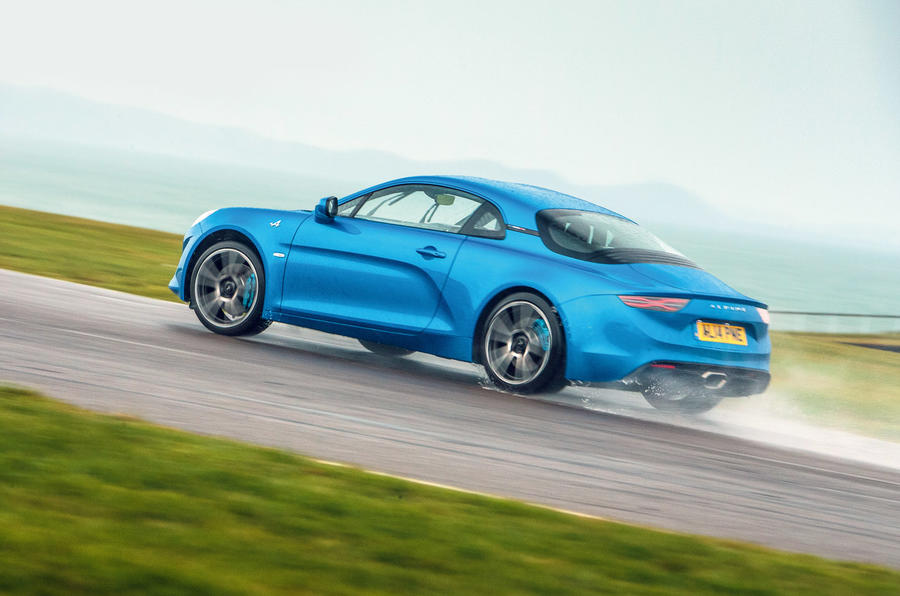 Alpine A110 - tracking side