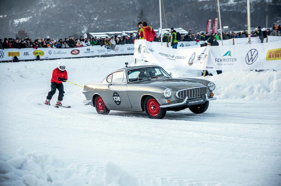 GP Ice Race Volvo P 1800 - tracking side