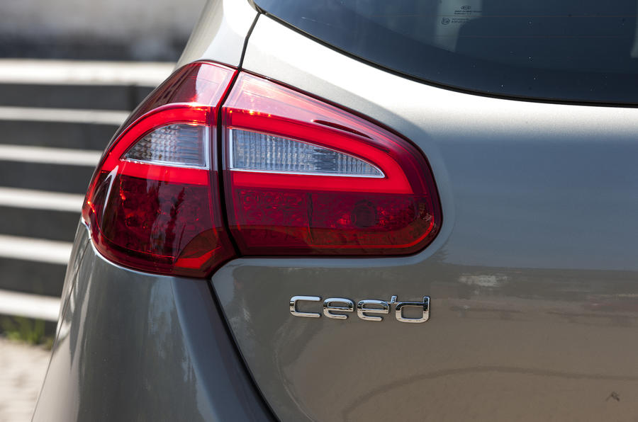 Kia C'eed rear lights