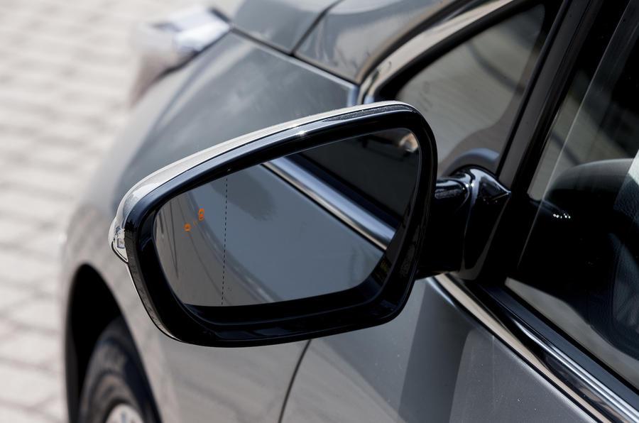 Kia C'eed wing mirror