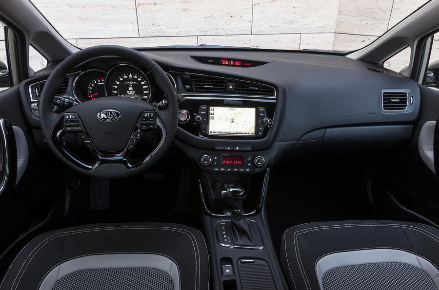 2015 kia cee 39 d 1 6 crdi 136 dct 4 tech 5dr review review autocar. Black Bedroom Furniture Sets. Home Design Ideas