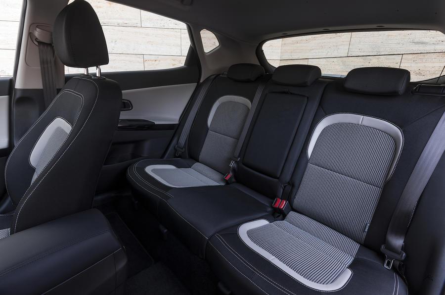 Kia C'eed rear seats