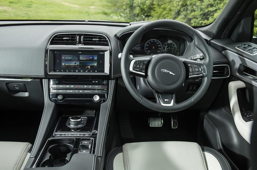 Jaguar F-Pace infotainment system