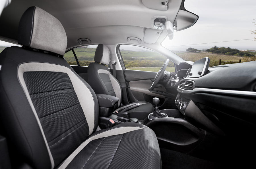 Fiat Tipo front seats