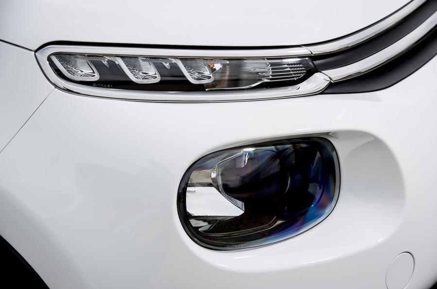 Citroen C3 headlights