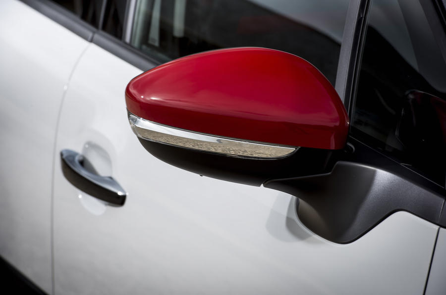Citroen C3 red wing mirrors