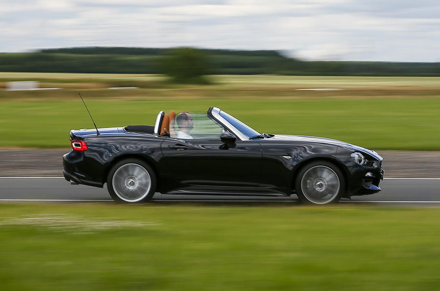 2016 fiat 124 spider lusso plus uk review review autocar. Black Bedroom Furniture Sets. Home Design Ideas