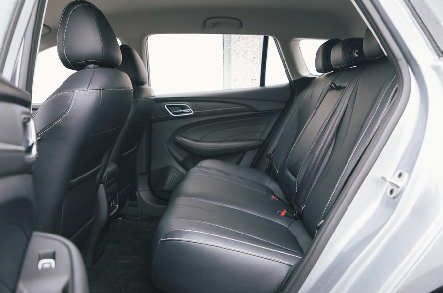 2020 MG 5 - rear seats
