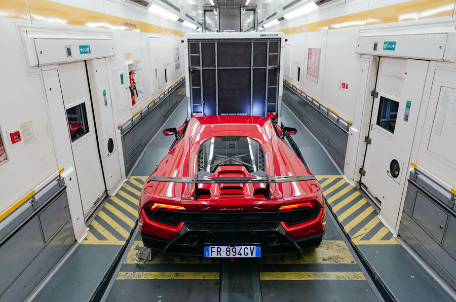 2019 Lamborghini Huracan Performante - in the Eurotunnel