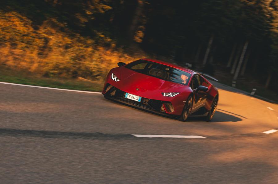 2019 Lamborghini Huracan Performante - hero front