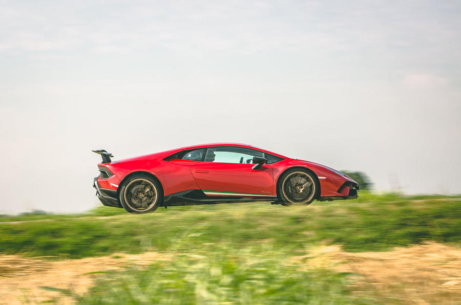 2019 Lamborghini Huracan Performante - side
