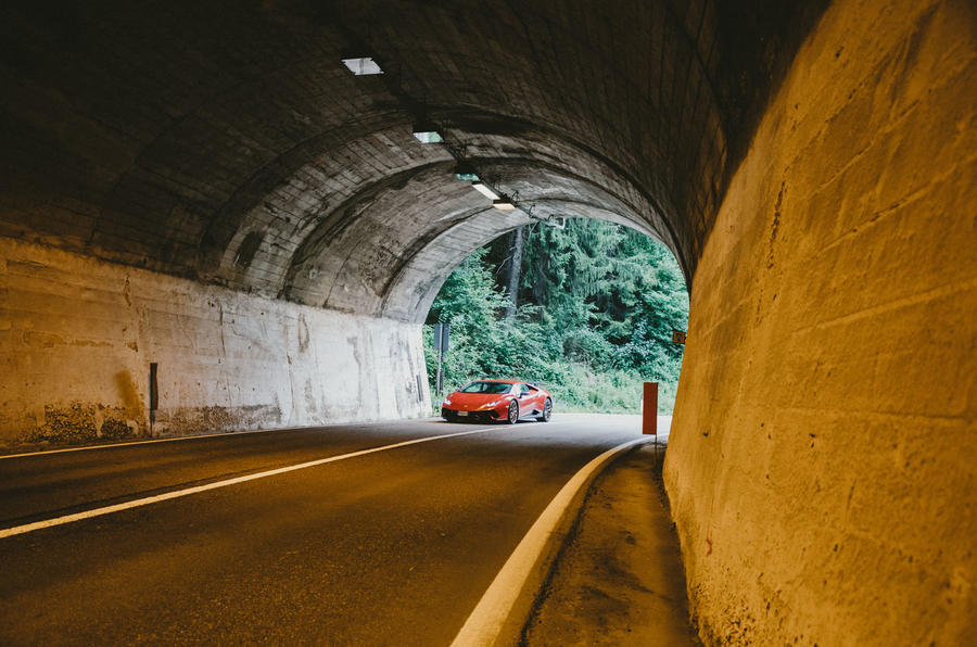 2019 Lamborghini Huracan Performante - entering tunnel