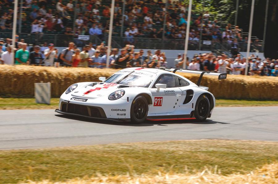 2019 Porsche 911 RSR on the Goodwood hillclimb