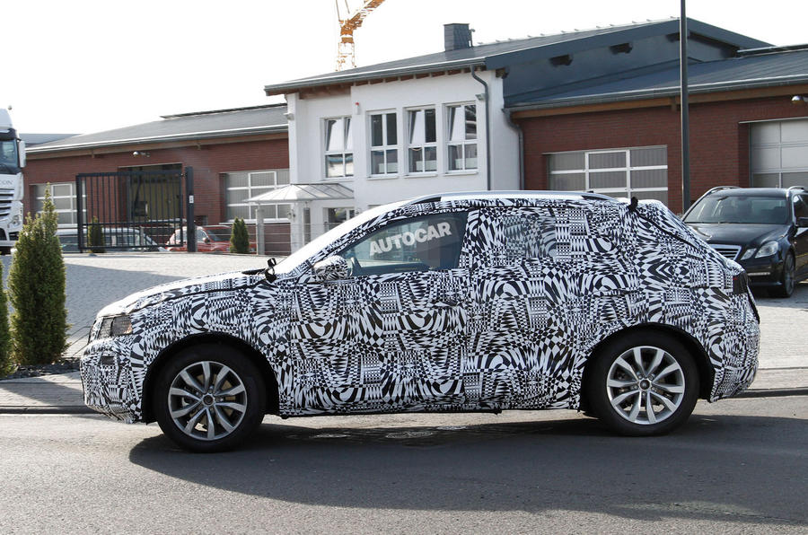2018 volkswagen t cross production model breaks cover autocar. Black Bedroom Furniture Sets. Home Design Ideas