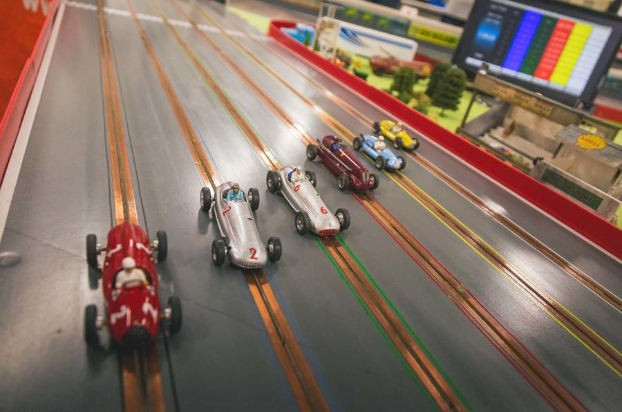 finger-clicking good: autocar goes slot-car racing