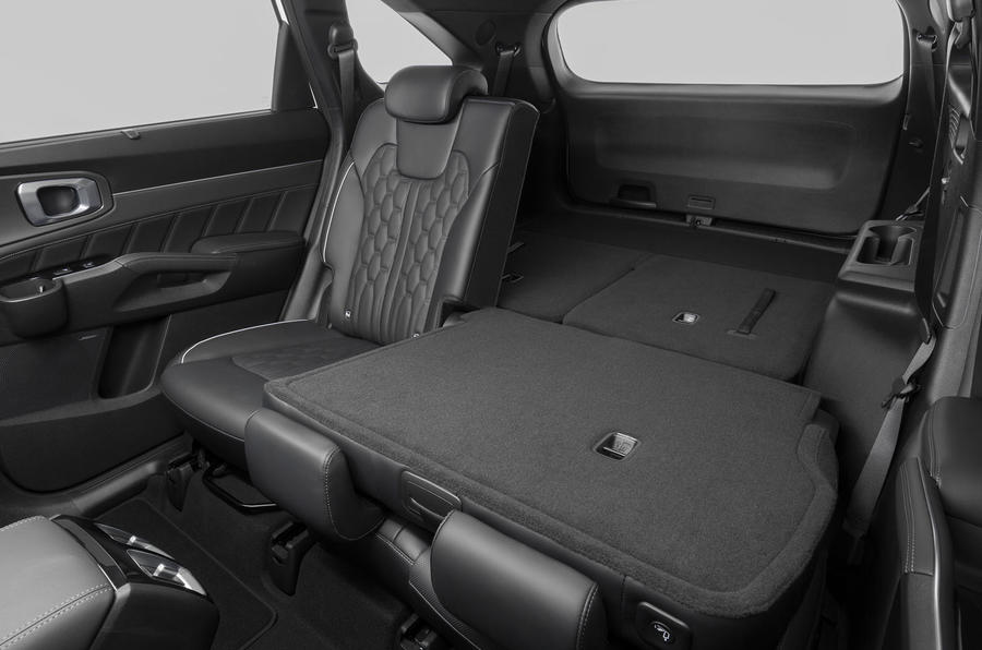 2020 Kia Sorento unveiling - rear seats folded