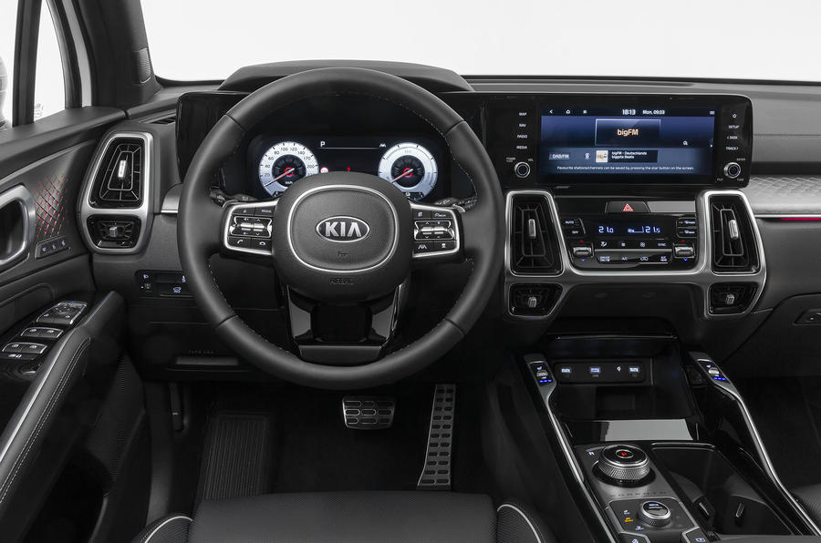 2020 Kia Sorento unveiling - steering wheel