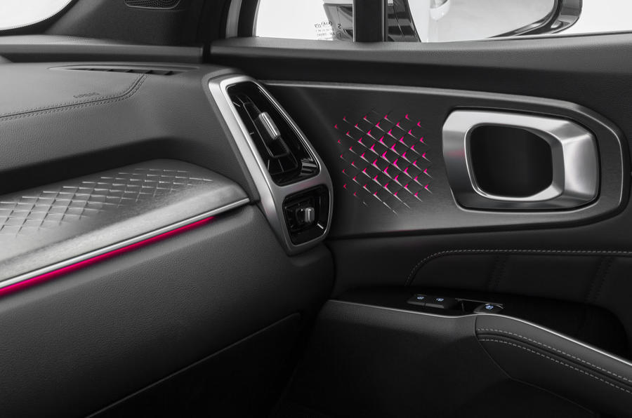 2020 Kia Sorento unveiling - door handle