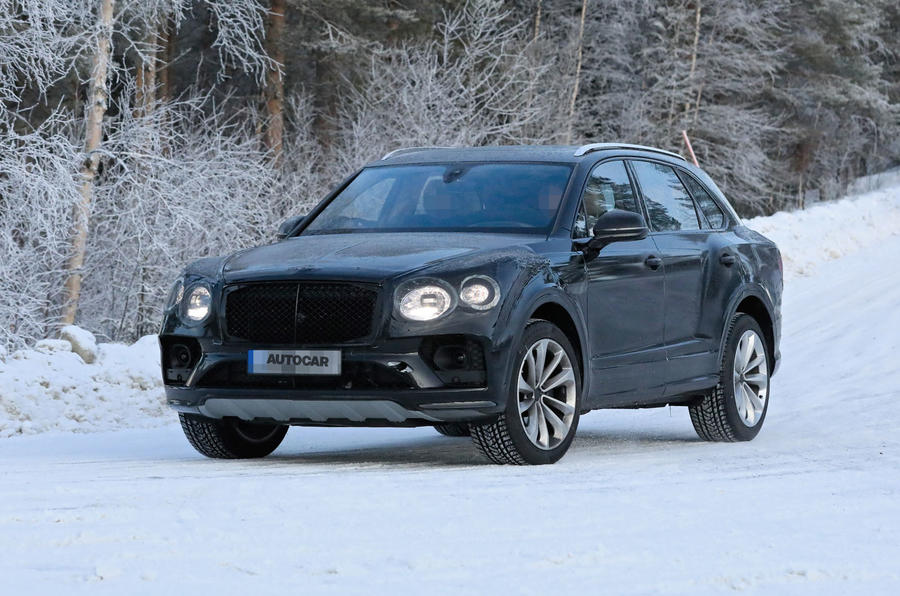2020 Bentley Bentayga prototype - winter testing