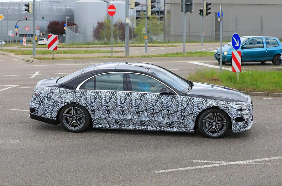 2021 Mercedes-Benz S-Class prototype spy shot