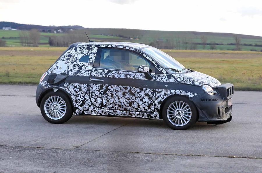 Fiat 500e new spies side
