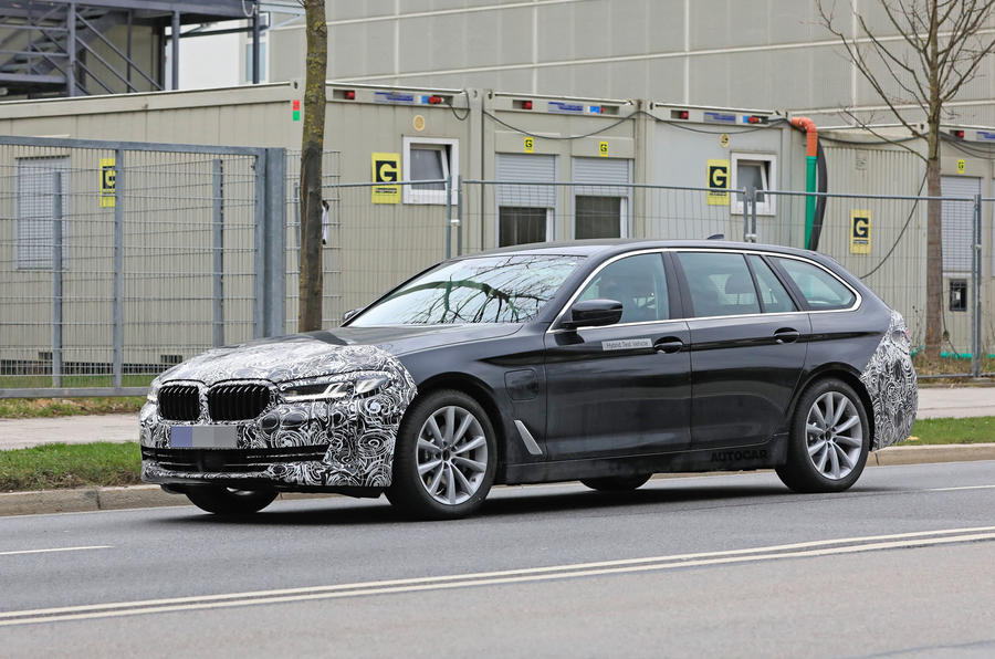2021 BMW 5 Series Touring prototype - front