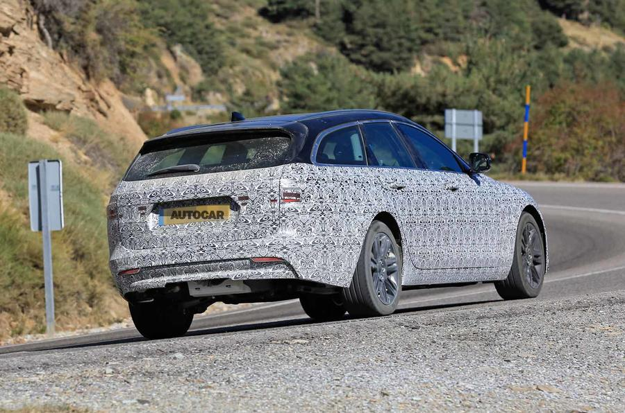Jaguar XF Sportbrake facelift spies