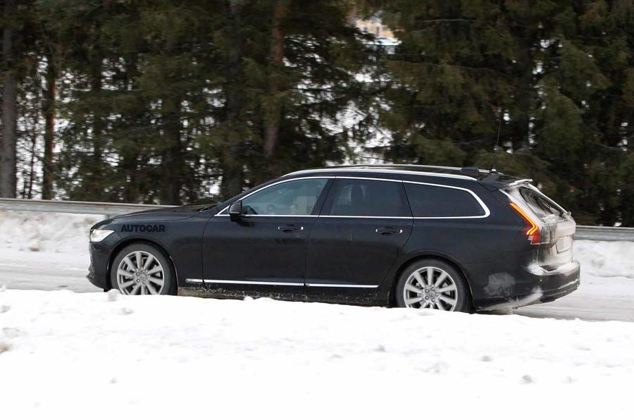 Volvo V90 facelift spyshots side