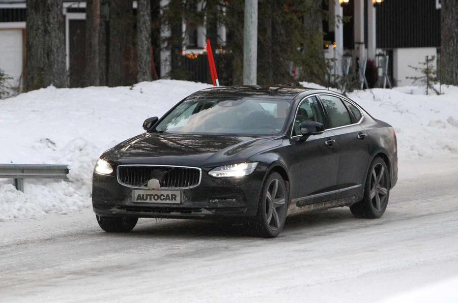 Volvo S90 facelift spyshots front