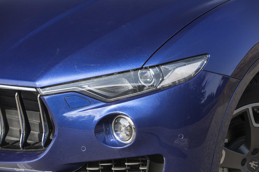 Maserati Levante headlights