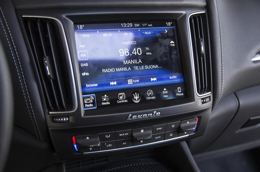 Maserati Levante SUV sat-nav