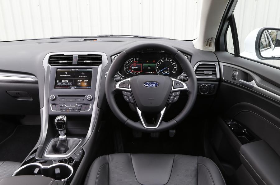 Ford Mondeo Dashboard Interior