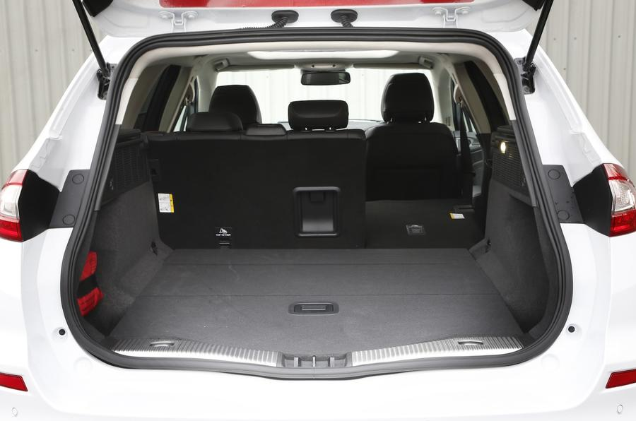 Ford Mondeo Estate extended boot space