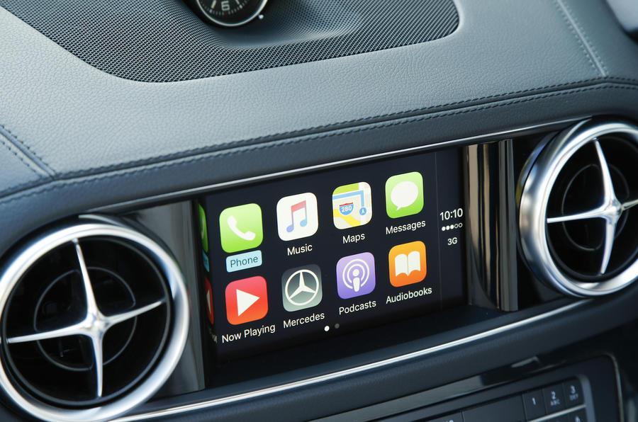 Mercedes-AMG SL 63 infotainment