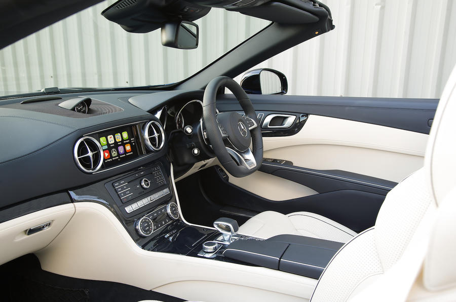 Mercedes-AMG SL 63 interior