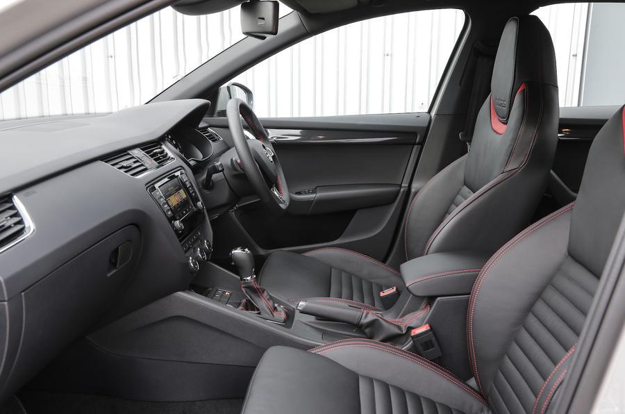 Skoda Octavia vRS 4x4 front seats