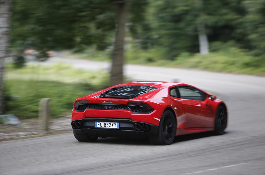 Lamborghini Huracan LP580-2 rear cornering