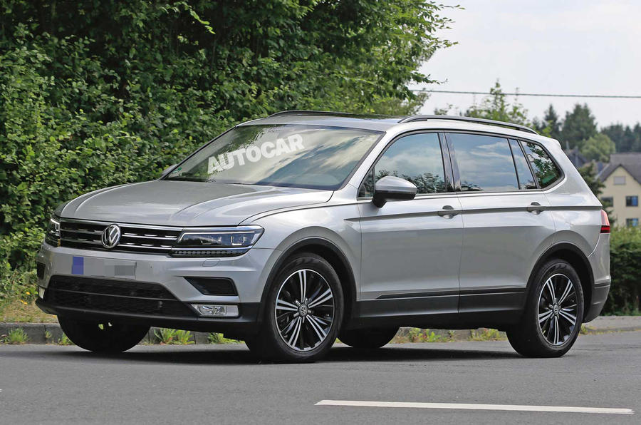 2017 volkswagen tiguan long wheelbase spotted testing. Black Bedroom Furniture Sets. Home Design Ideas