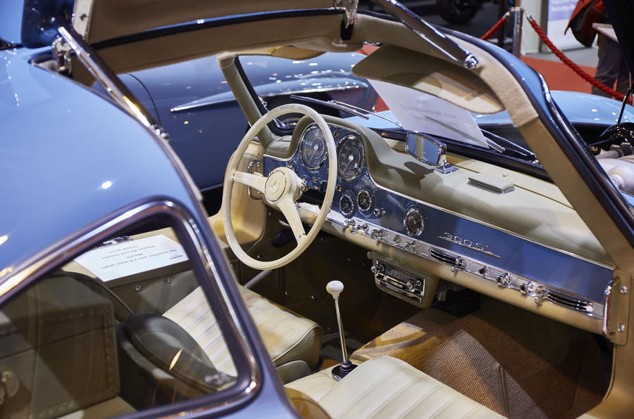 Mercedes 300SL interior