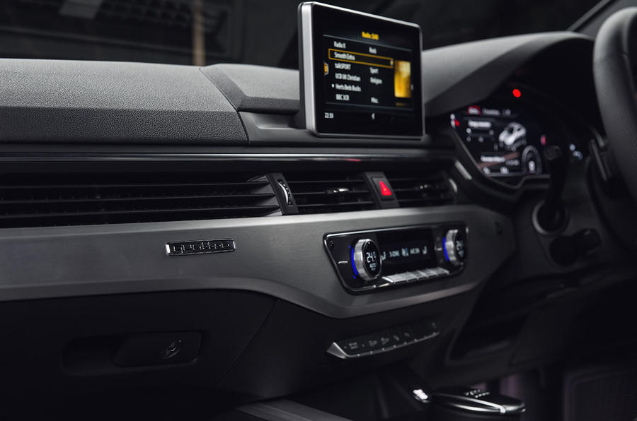 Audi A4 infotainment screens