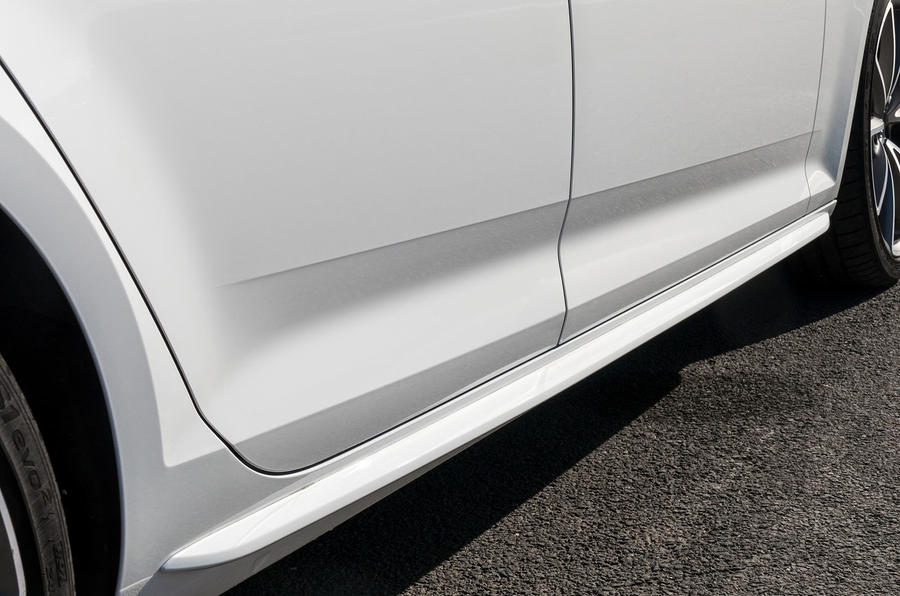 Audi A4 body colour side skirts