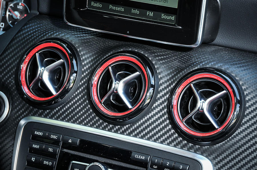 Mercedes-AMG A 45 air vents