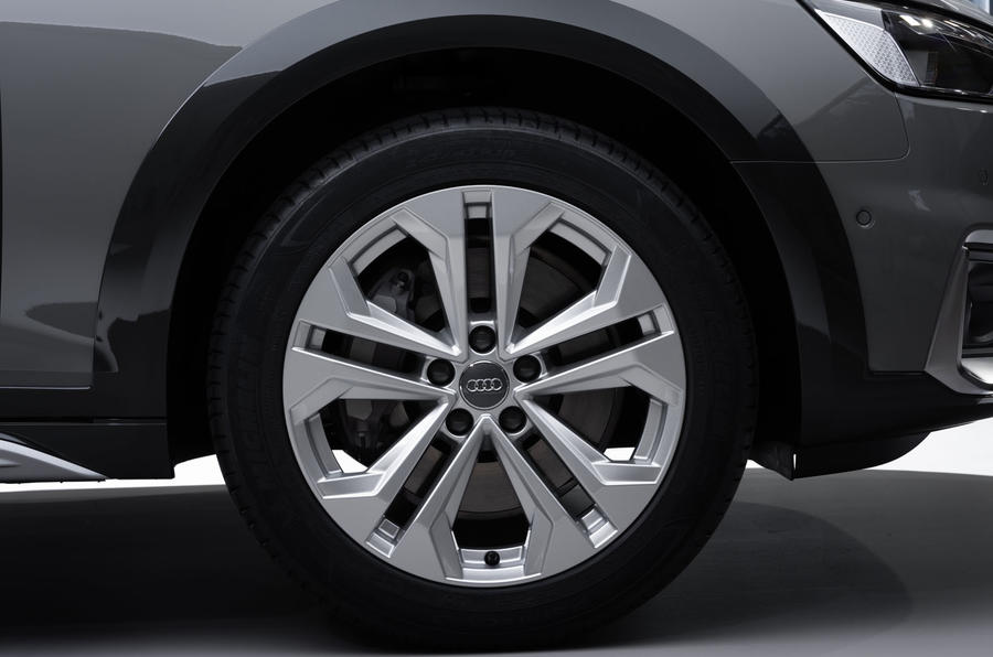 2019 Audi A4 Avant press packet - wheel